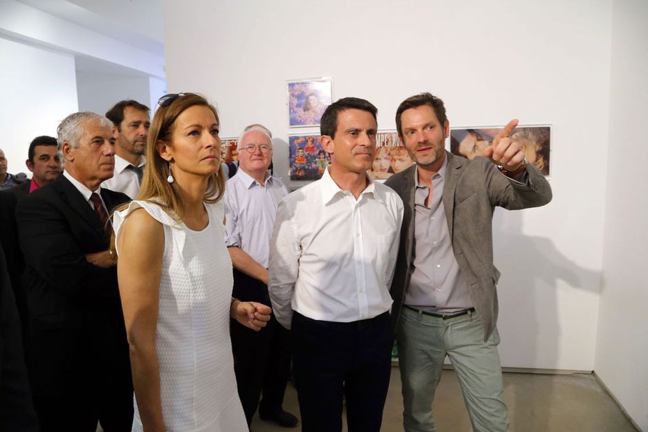 French-Prime-Minister-with-his-wife-and-Sam-Stourdze-visiting-the-show.